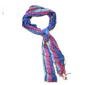 Maurice's lightweight scarf